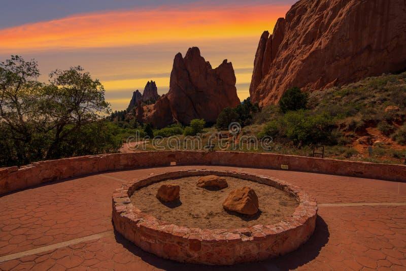 Imagem do por do sol do jardim dos deuses imagens de stock royalty free