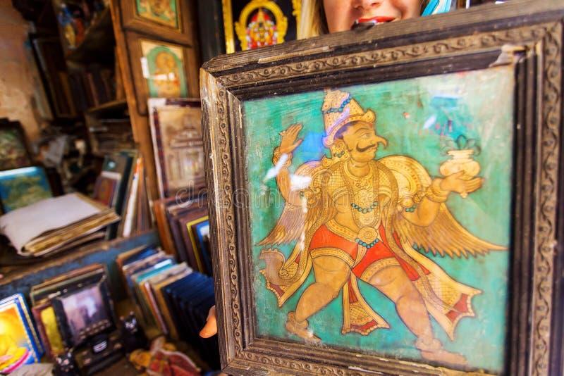 Imagem do vintage com o pássaro de Garuda no quadro retro da feira da ladra fotografia de stock royalty free