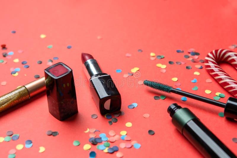 Imagem dos cosméticos, confetes, decoração do Natal foto de stock