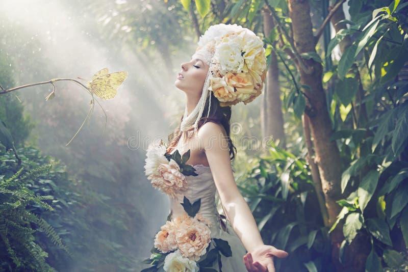Imagem extravagante da mulher exótica imagem de stock royalty free