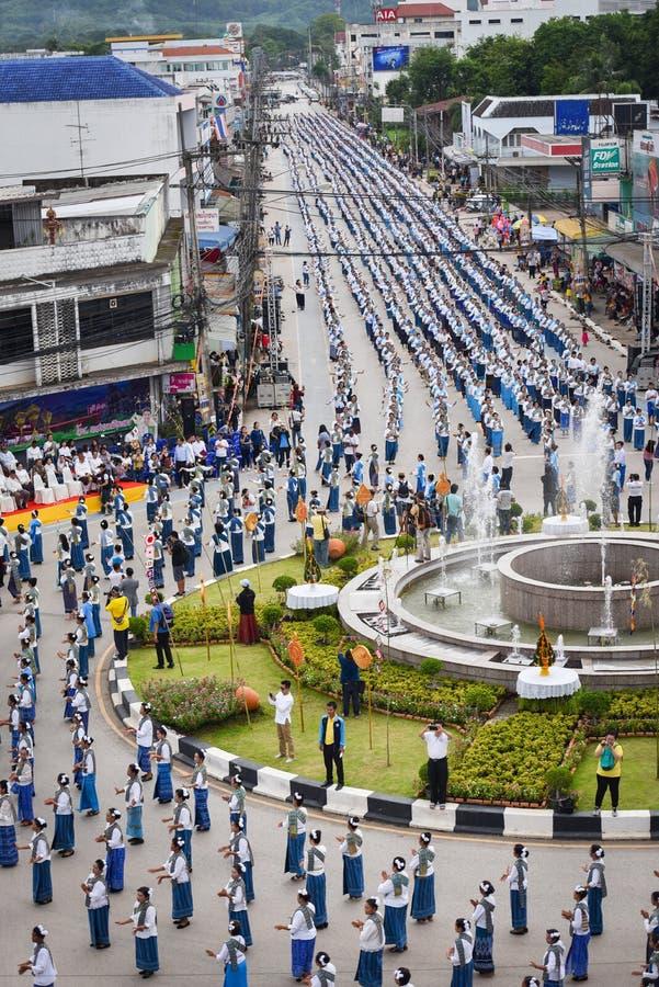 Imagem histórica da vista superior a dança da cerimônia a deusa Tailândia 2018 imagens de stock