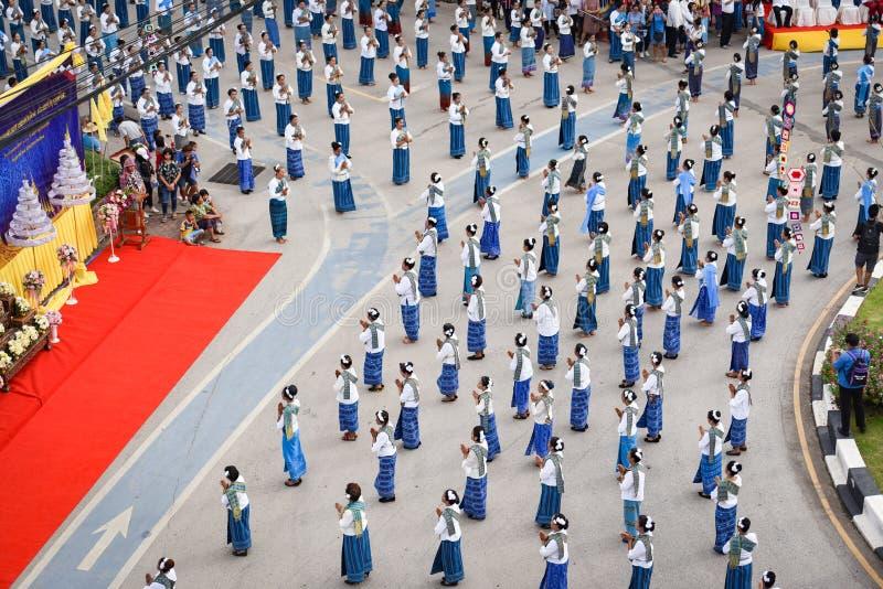 Imagem histórica da vista superior a dança da cerimônia a deusa Tailândia 2018 fotografia de stock