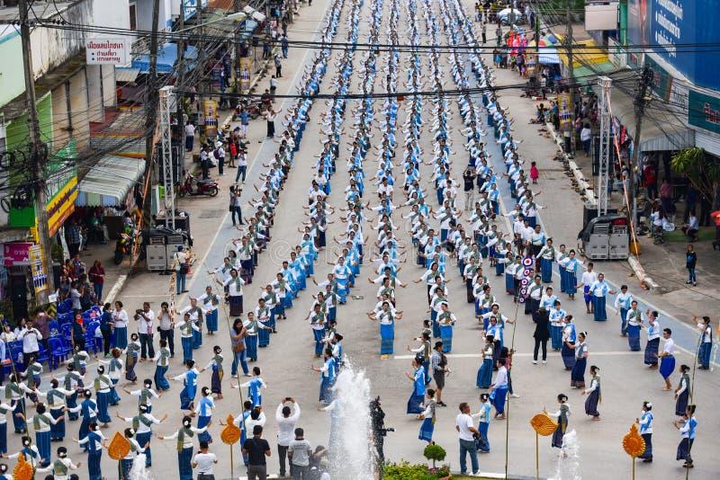 Imagem histórica da vista superior a dança da cerimônia a deusa Tailândia 2018 fotos de stock royalty free