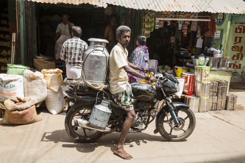 Imagem ilustrativa editorial Velomotor a mover-se na Índia imagens de stock royalty free