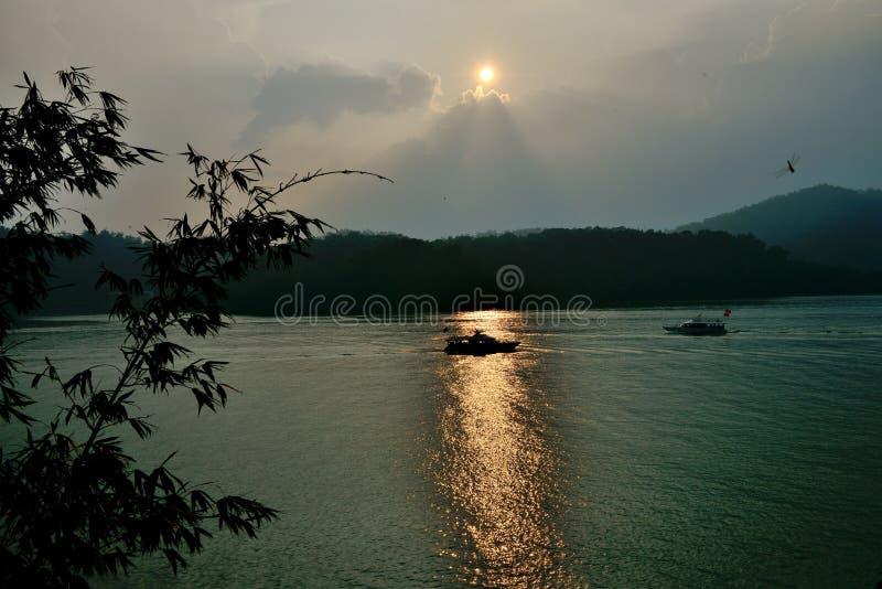 Imagem invertida do nascer do sol fotografia de stock royalty free