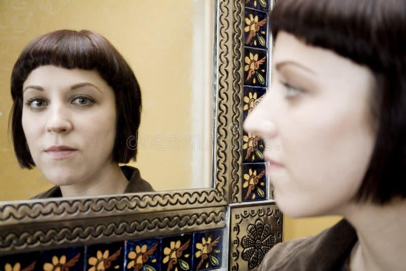 Imagem no espelho imagens de stock
