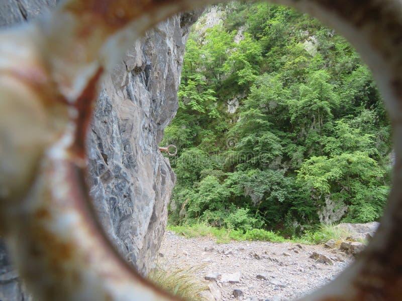 A imagem preciosa da paisagem da montanha alta na Espanha foto de stock royalty free