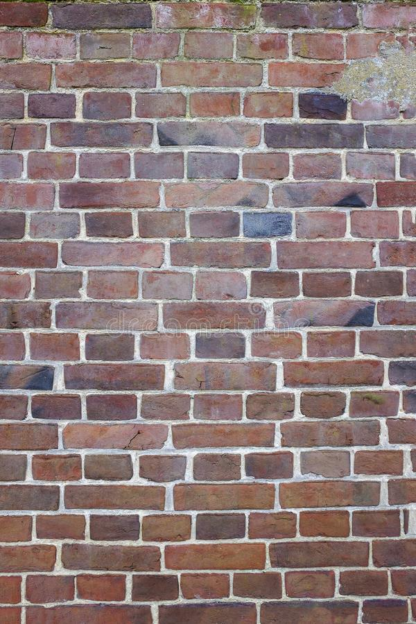 Imagem vertical da parede de tijolo velha de Fernch, teste padrão do papel de parede, textura do fundo fotografia de stock