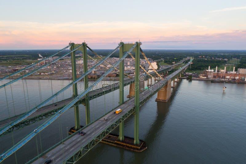 Imagen aérea del abejón del puente de monumento de Delaware fotografía de archivo libre de regalías