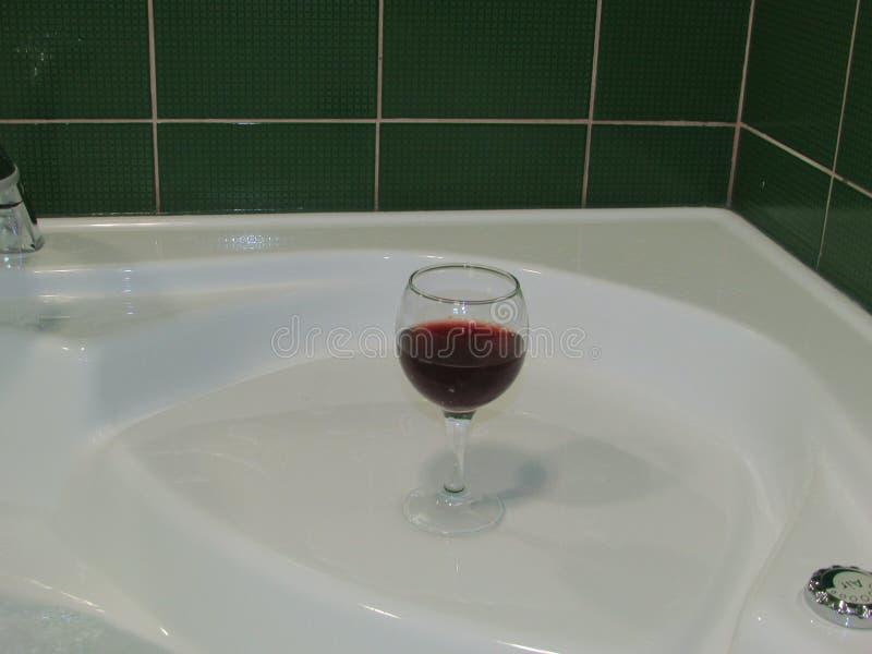 Imagen abstracta de un vidrio de vino imagen de archivo libre de regalías