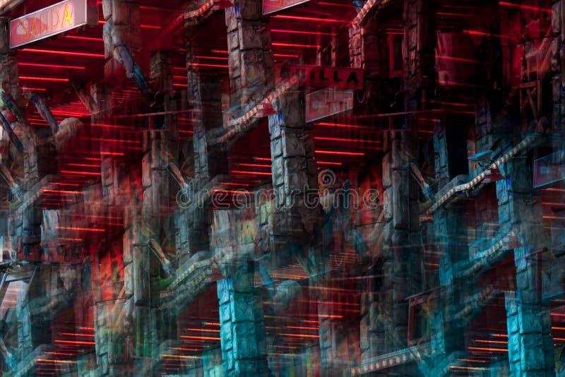 Imagen abstracta de una atracción del parque de atracciones fotos de archivo libres de regalías