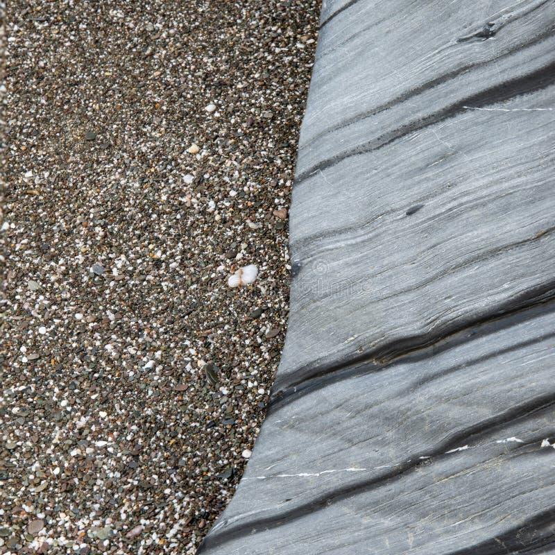 Imagen abstracta inusual del paisaje de la textura de la roca en la playa imagen de archivo