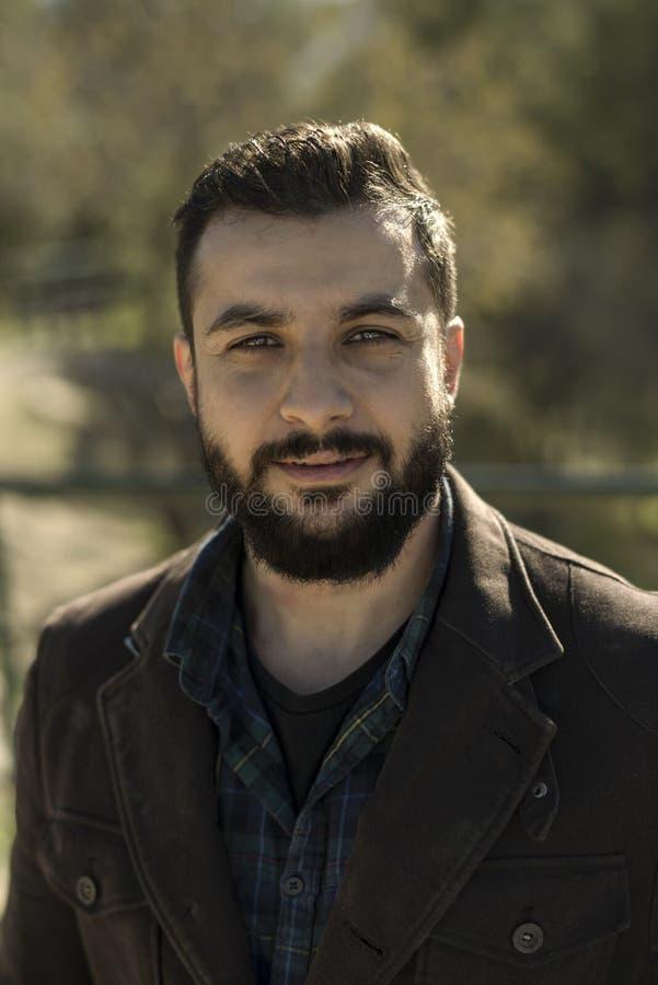 Imagen adulta del retrato del hombre con la barba imagenes de archivo
