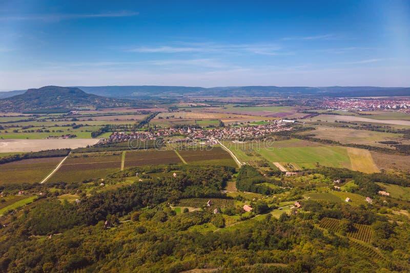 Imagen agrícola aérea de un paisaje húngaro, cerca del lago Balatón imágenes de archivo libres de regalías