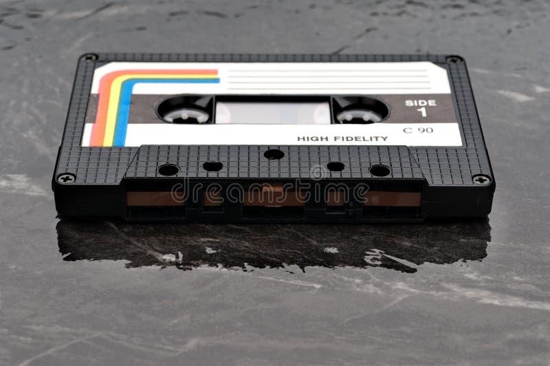 Imagen baja del foco de un cassette audio viejo imágenes de archivo libres de regalías