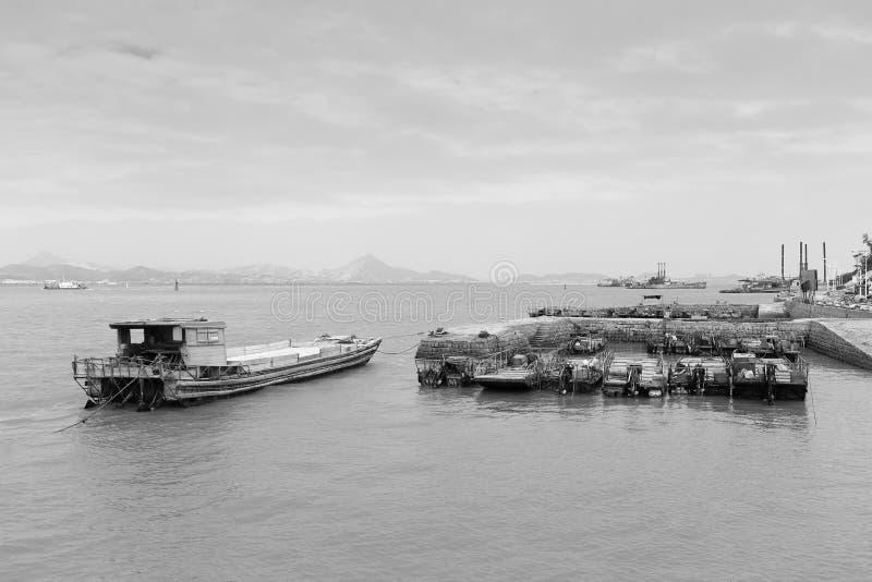 Imagen blanco y negro de la terminal de transbordadores de Xiaodeng imagen de archivo libre de regalías