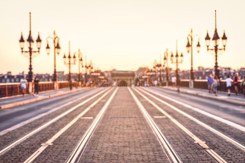 imagen borrosa de la calle del puente de Pont de Pierre, Burdeos, Francia fotografía de archivo libre de regalías