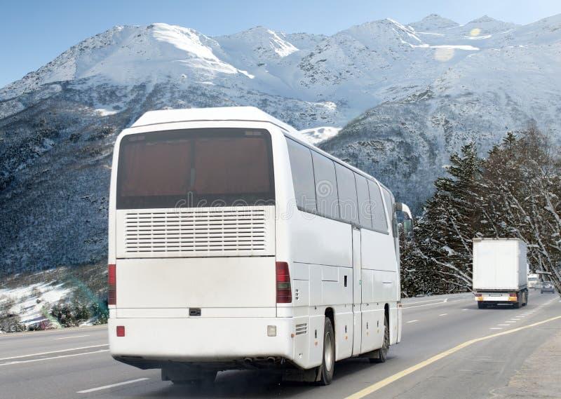 Imagen borrosa de movimiento de conducir el autobús fotos de archivo