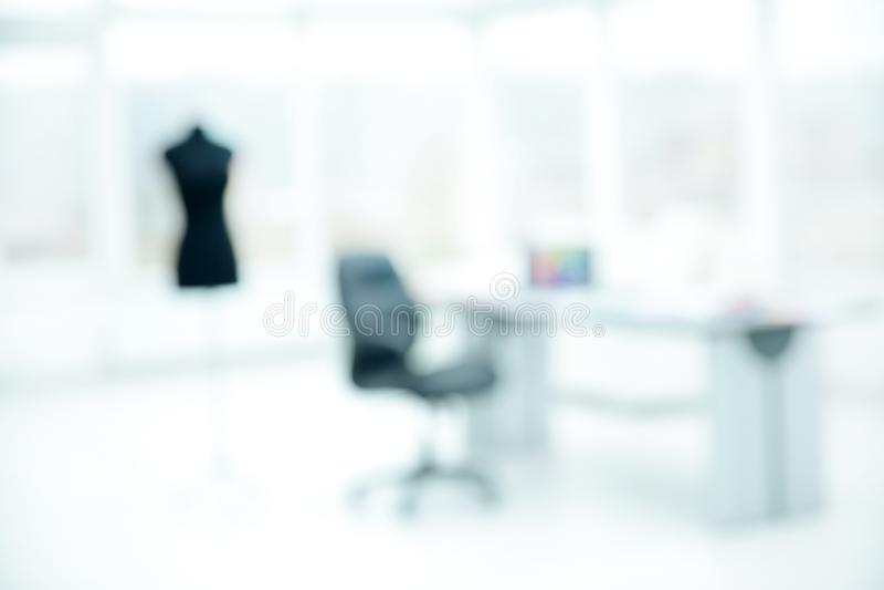 Imagen borrosa de una oficina en la moda del taller imágenes de archivo libres de regalías