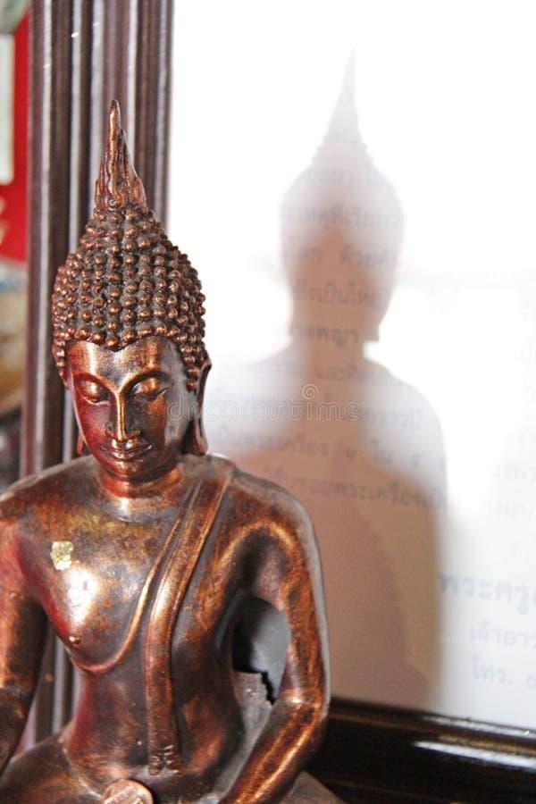 Imagen Buda en el templo imagen de archivo