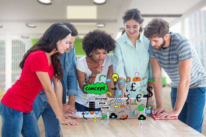 Imagen compuesta de Digitaces de los hombres de negocios que usan el ordenador portátil con los diversos iconos en el escritorio imagenes de archivo