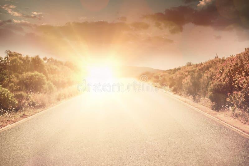Imagen compuesta de la opinión de ángulo bajo del cloudscape en cielo imagen de archivo libre de regalías