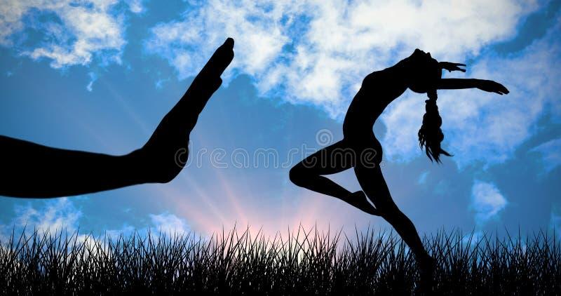 Imagen compuesta de la vista lateral de estirar deportivo de la mujer joven imagen de archivo libre de regalías