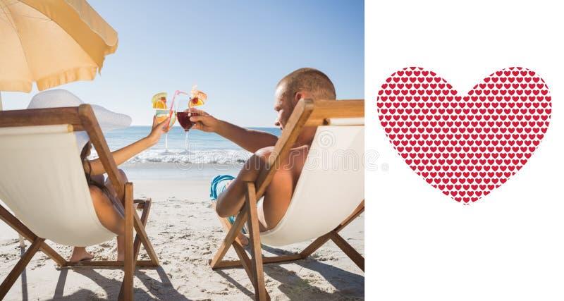 Imagen compuesta de los pares felices que tintinean sus vidrios mientras que se relaja en sus sillas de cubierta ilustración del vector