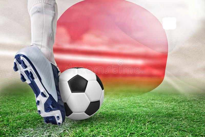 Imagen compuesta del cierre para arriba del futbolista que golpea la bola con el pie stock de ilustración