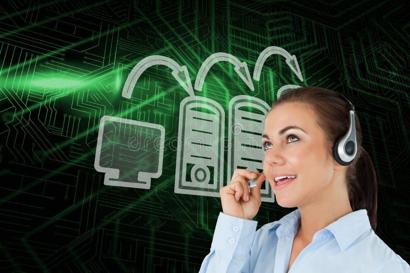 Imagen compuesta del trabajador del centro de la conexión y de llamada del ordenador libre illustration