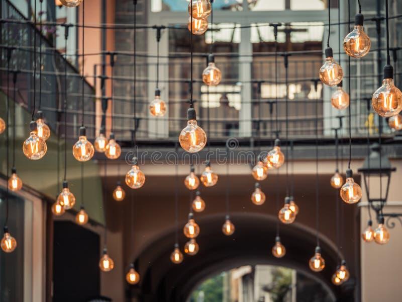 Imagen de brillar intensamente ligero de lujo retro hermoso de la decoración de las lámparas imagen de archivo libre de regalías