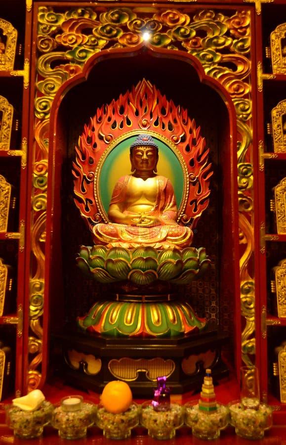 Imagen de Buda del chino que se sienta imagen de archivo libre de regalías