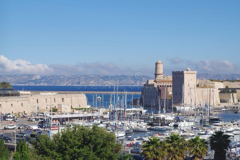 Imagen de la entrada del puerto de Vieux en Marsella, Francia imagen de archivo