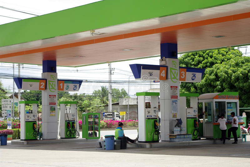 Imagen de la gasolinera imagenes de archivo
