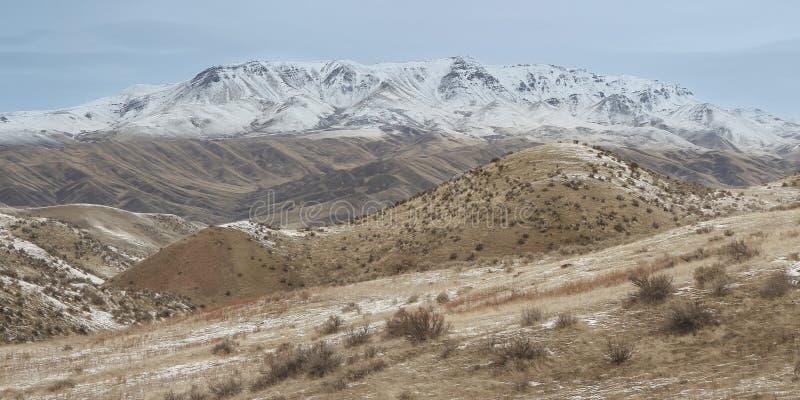 Imagen de la montaña Squaw Butte cubierta de nieve en Idaho, Estados Unidos fotos de archivo libres de regalías