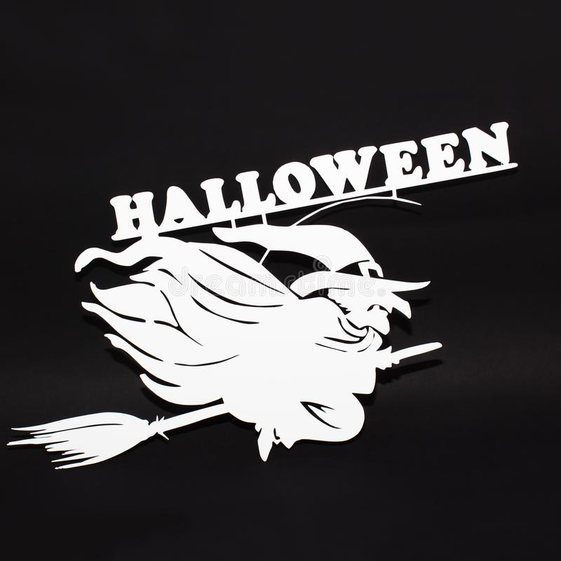 Imagen de la opinión superior del metal del día de fiesta de Halloween de la bruja sobre fondo negro imágenes de archivo libres de regalías