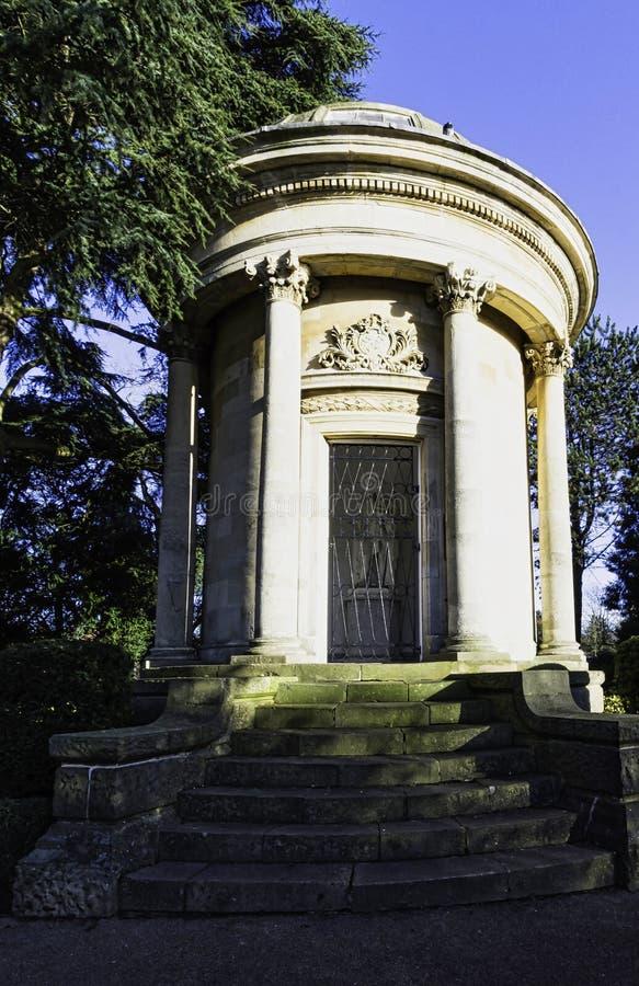 Imagen del monumento de Jephson en el balneario real de Leamington, Warwickshire, Reino Unido fotos de archivo