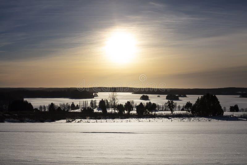 Imagen del paisaje del invierno en Finlandia fotos de archivo