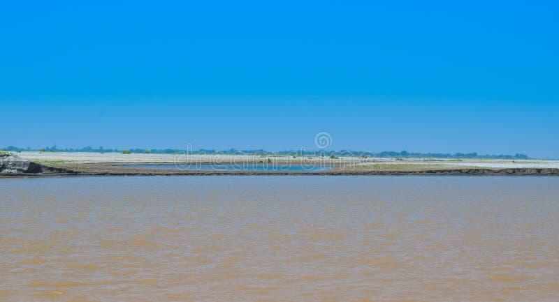 Imagen del paisaje del río histórico indus en invierno foto de archivo libre de regalías