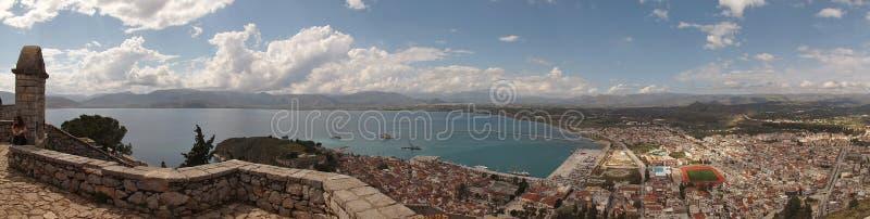 Imagen del panorama del castillo de Palmidi y paisaje urbano de Nafplio, Peloponeso, Grecia, fotografía de archivo libre de regalías