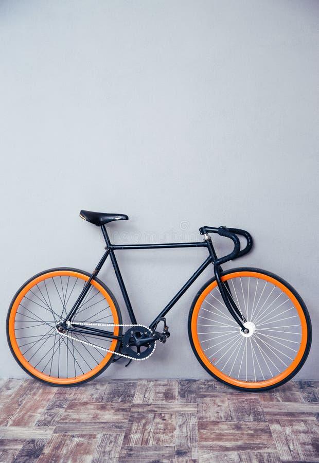 Imagen del primer de una bicicleta imagen de archivo libre de regalías