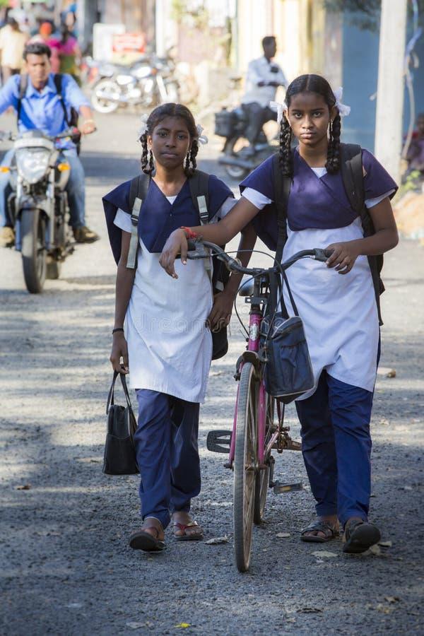 Imagen documental Edotorial Estudiantes de la escuela imagen de archivo