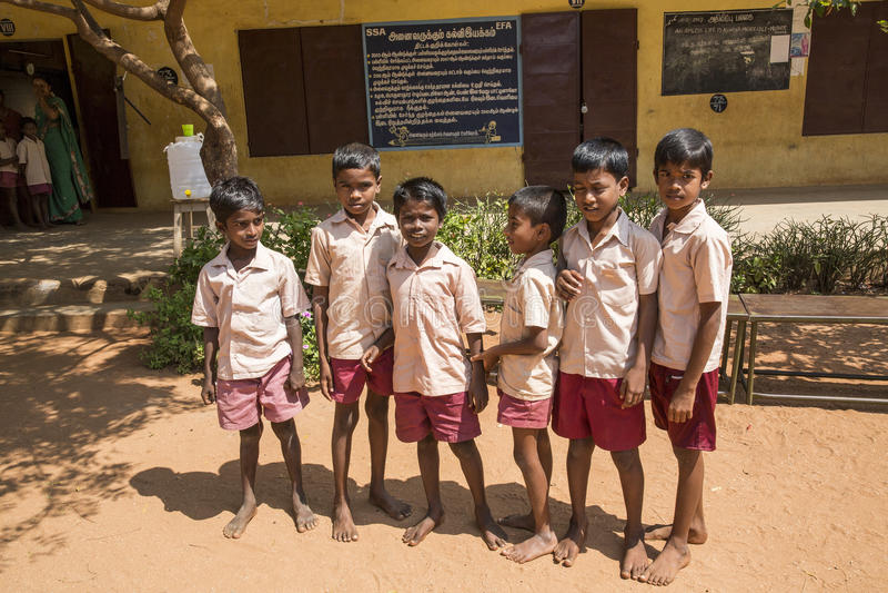 Imagen documental Edotorial Estudiantes de la escuela fotos de archivo