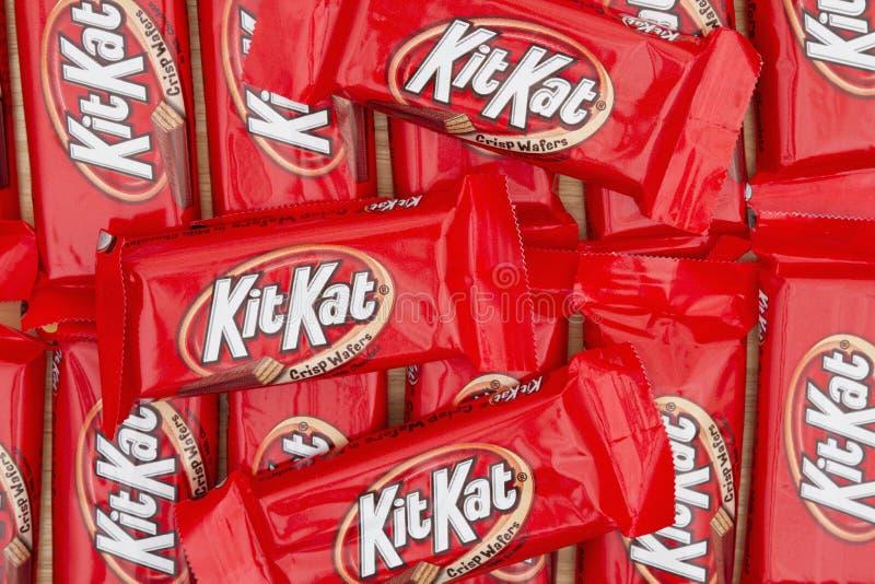 Imagen editorial del fondo de la barra de caramelo de chocolate de KitKat imagenes de archivo