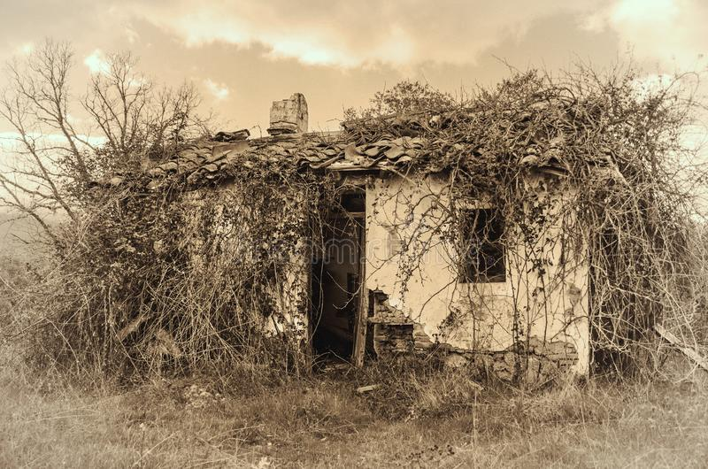 Imagen entonada vintage abandonada espeluznante de la casa imagen de archivo libre de regalías