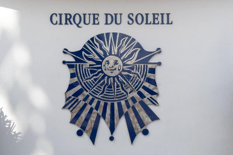 Imagen exterior de la muestra del logotipo de Cirque du Soleil fotos de archivo