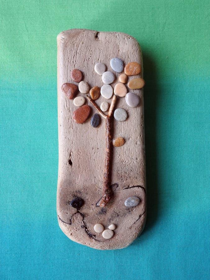 Imagen hecha a mano - árbol en la superficie de madera, Lituania imágenes de archivo libres de regalías