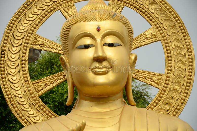 Imagen hermosa de Buda del oro imágenes de archivo libres de regalías