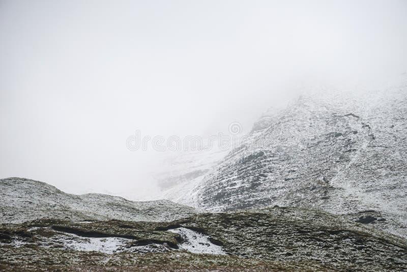 Imagen hermosa del paisaje del invierno alrededor del campo del Tor de Mam en P fotografía de archivo libre de regalías
