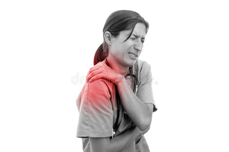 imagen Negro-blanca de la enfermera con dolor del hombro foto de archivo